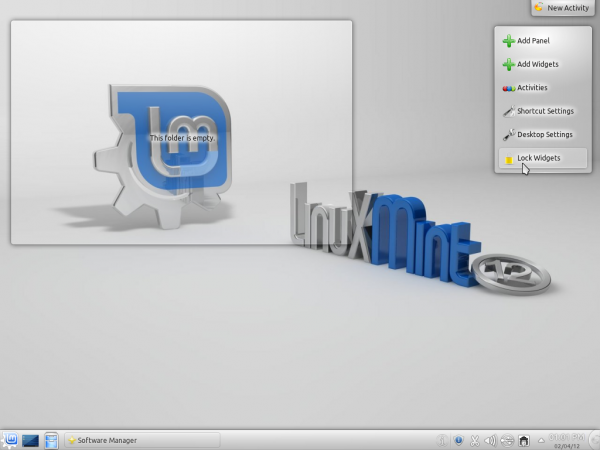 Linux Mint 12 KDE Desktop