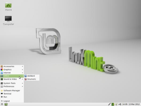 Linux Mint 12 LXDE Desktop
