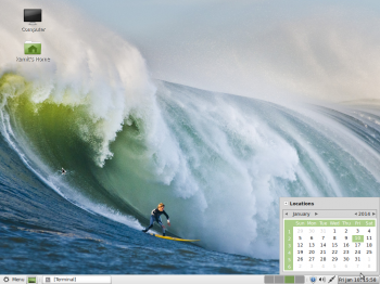 The MATE desktop showing the panel calendar